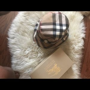 Burberry Bucket Hat Reversible